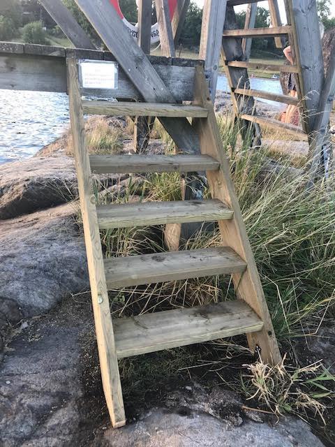 Ny trappa på hopptornet!